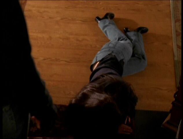 File:Piper finds out she's dead again.jpg