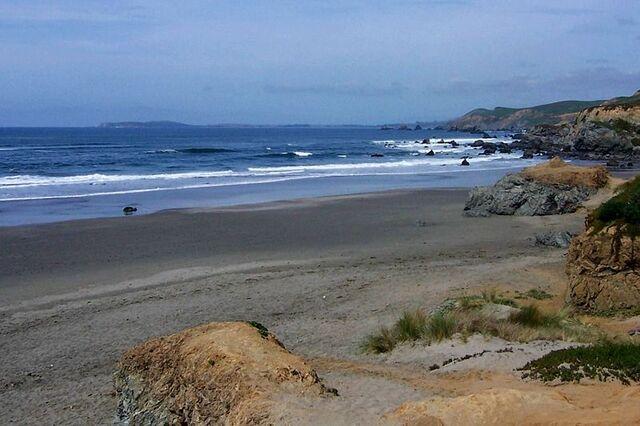 File:Bodega Bay.jpg