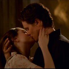 Vincent całujący Paige