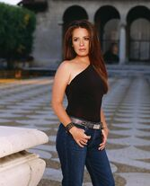 Holly-marie-combs-charmed-photo-33
