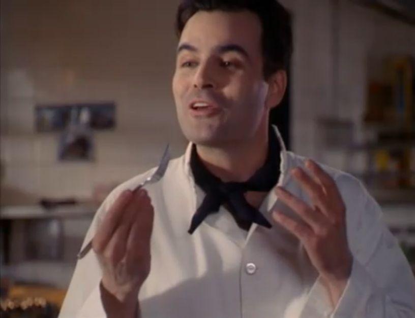 Фајл:1x01 Chef Moore.jpg