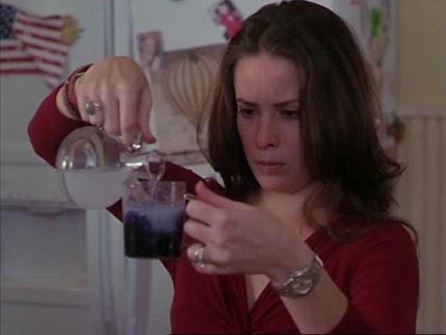 Ficheiro:Piper making exploding potion.jpg