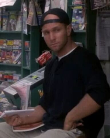 Фајл:1x02-clerk.jpg