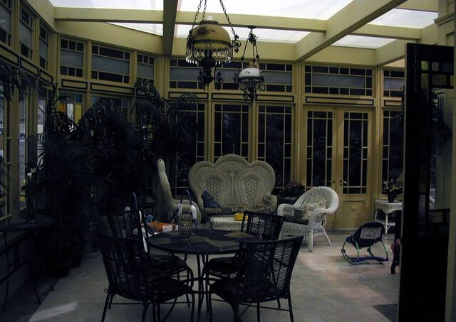 File:Charmed8xzss.jpg