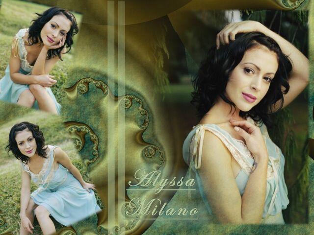 File:Alyssa Milano-Phoebe 126.jpg