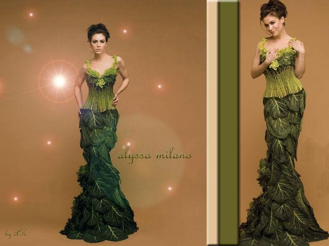 File:Alyssa Milano-Phoebe 128.jpg