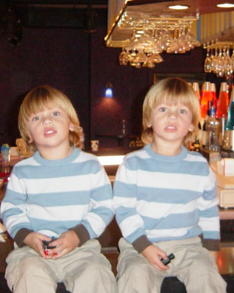 File:Simmons Brothers Infobox.jpg