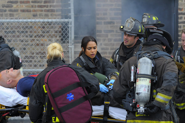 File:Chicago-Fire-Episode-109-It-Aint-Easy-NUP 152760 0417.jpg