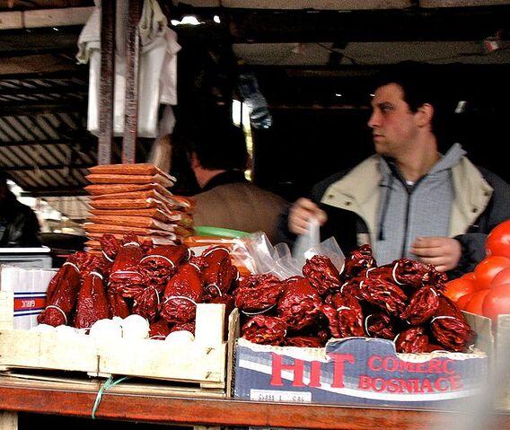 File:Dried paprika sale.jpg