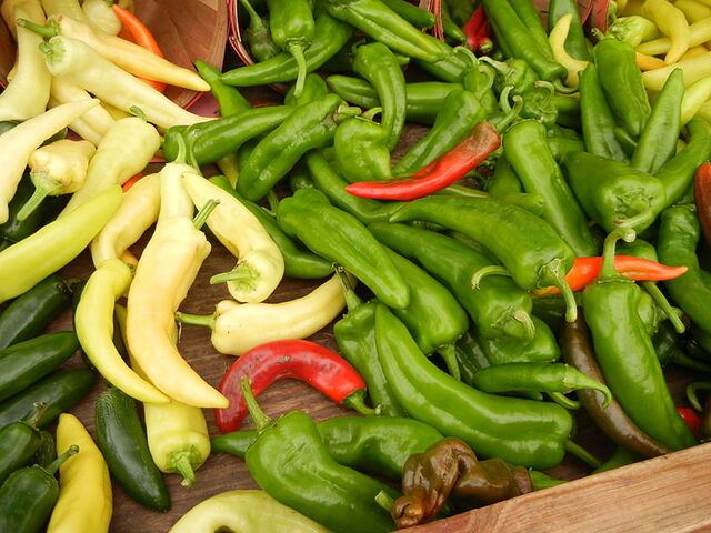File:800px-Anaheim Chili Peppers.jpg