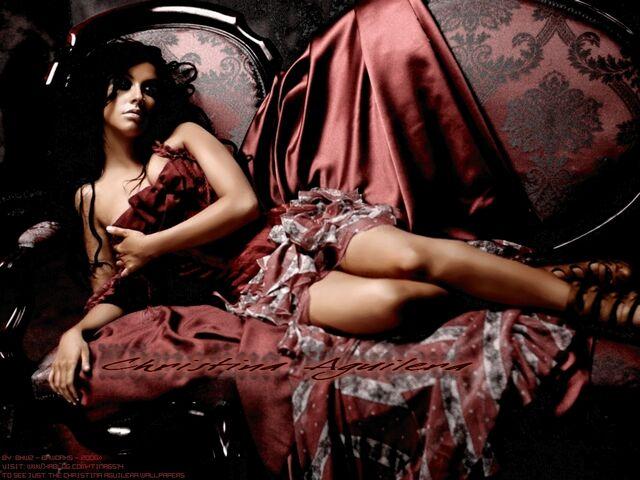 File:Bhworks - Aguilera 2006 Elle 02.jpg