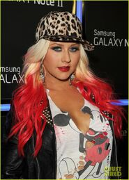 Christina-aguilera-matthew-rutler-samsung-galaxy-launch-03