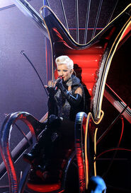 Christina+Aguilera+2010+MTV+Movie+Awards+Show+FkfIE5OMphll
