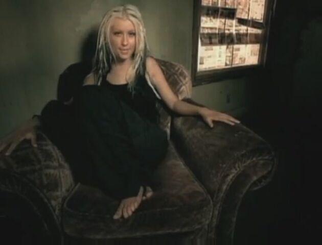 File:Beautiful-Music-Video-christina-aguilera-26415566-893-680.jpg