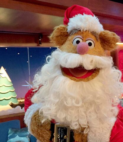 File:Fozzie as Santa.jpg