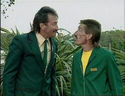 Chucklevision - 3x02 - Park and Wreck Reations 360p 0002