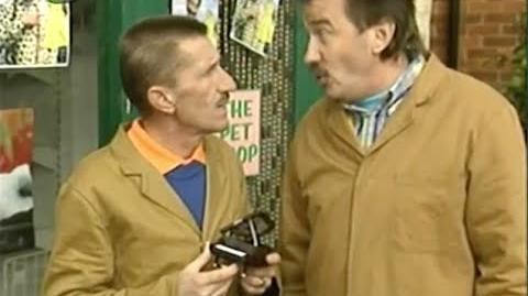ChuckleVision 11x10 Getting The Bird