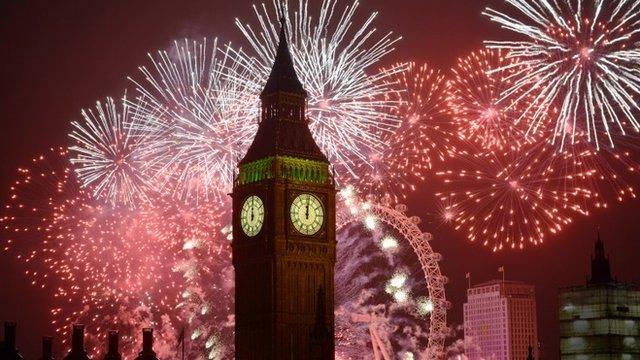 File:LondonFireWorks.jpg