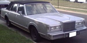 Lincoln Town Car 1st gen