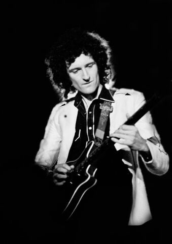File:Brian-May with red special.jpg