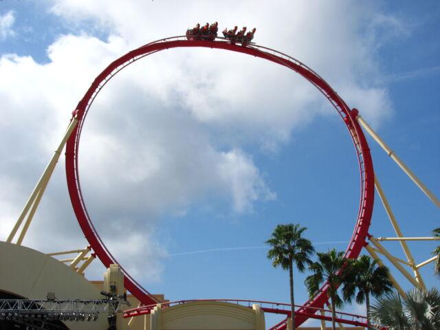 File:Hollywood Rip Ride Rockit non-inverted loop.jpg