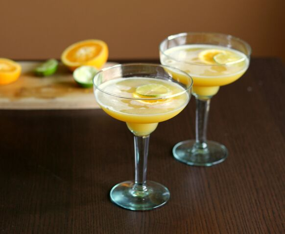 File:Two-sour-citrus-cocktails.jpg