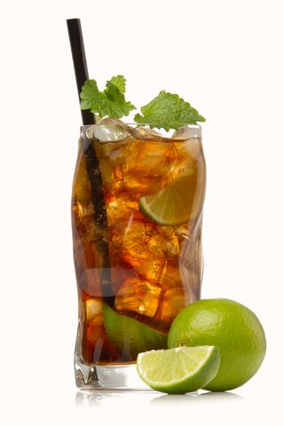 File:Cuba-libre-cocktail.jpg