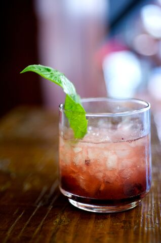 File:Bourbon-cocktail-4.jpg