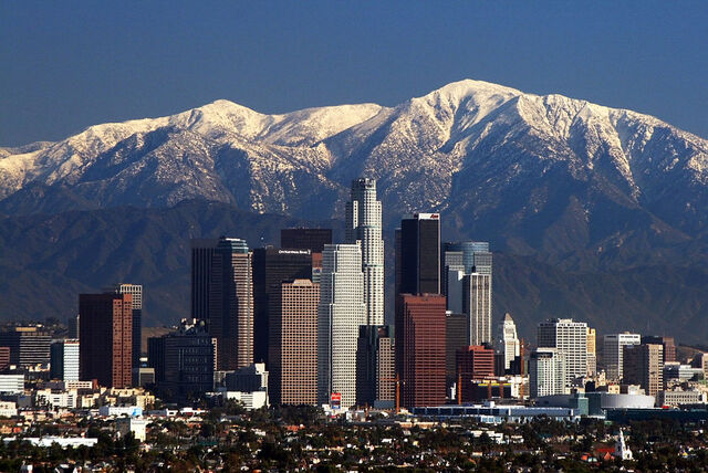 File:LA Skyline Mountains2.jpg