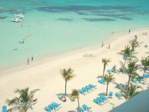 File:544755 beach resort.jpg