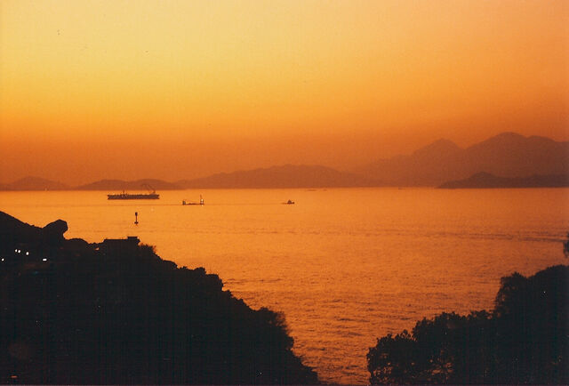 File:Lamma evening4.jpg