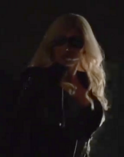BLACK CANARY LIGHTED 2