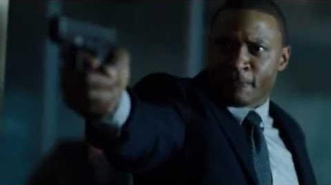 "Arrow 1x11 Trust But Verify - John Oliver ""Put the bow down"""