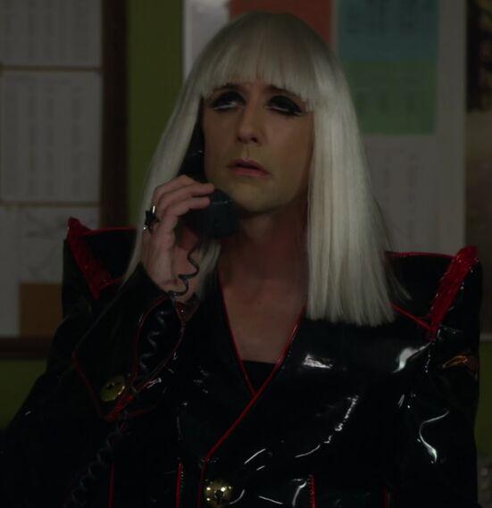File:S02E06-Lady Gaga Dean.jpg