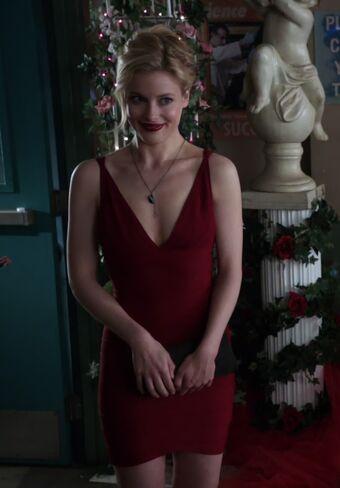 File:S01E16-Britta red dress.jpg