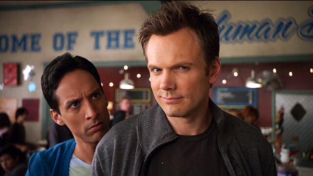 File:1x12 Jeff and Abed 2.jpg
