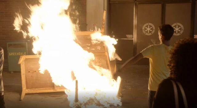 File:S05E01-Study Table burns Borchert Hall.jpg