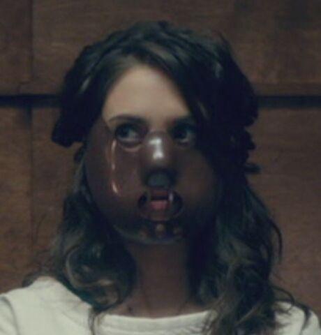 File:S04E10-Lector Annie.jpg