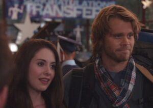 S01E25-Vaughn and Annie leaving