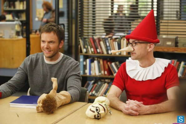 File:Community - Episode 4.09 - Intro To Felt Surrogacy - Promotional Photos (7) 595 slogo.jpg