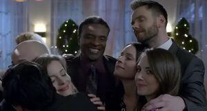S06E12-Group hug
