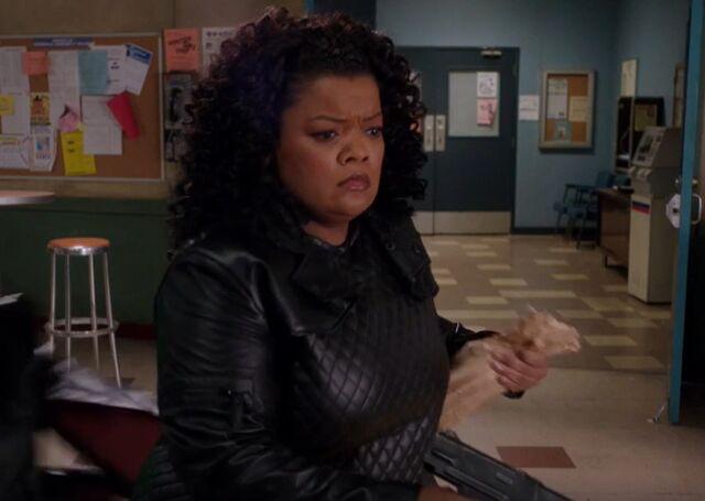 File:S04E13-Evil Shirley confused.jpg