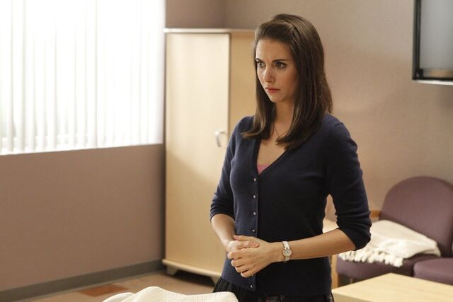 File:2x16 Promotional photo 9.jpg