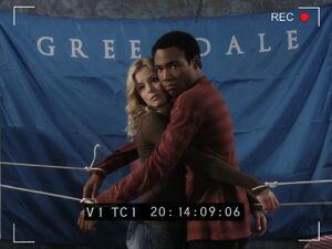 3x08-Britta Troy hug