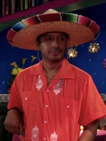 File:Señor Kevin's Waiter.jpg