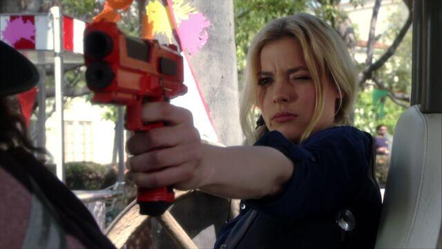 File:2x23 Britta paintball gun1.jpg