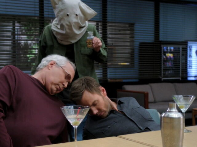 File:3x05-Pierce Jeff poisoned.jpg