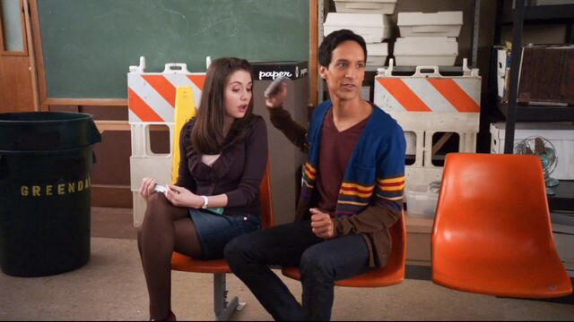 File:1x17 Annie and Abed8.jpg