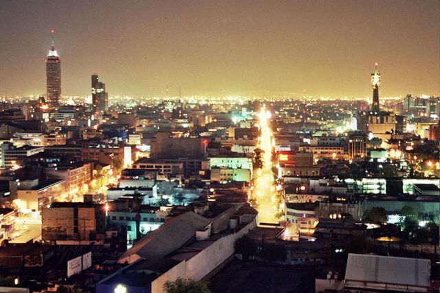 File:Mexico City at Night.jpg