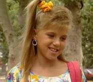 Stephanie-full-house-212